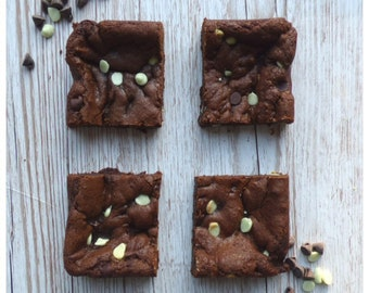 Mint Chocolate Chip Cookies (Box of 4 or 9 Squares)