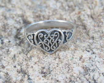 Sterling Silver Heart Ring, Valentine's Day Gift, 925 Jewelry, Love & Friendship Ring, Sweetheart Ring, Size 8 3/4, Everyday Wear.