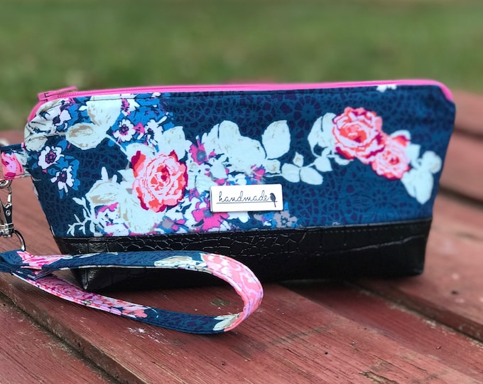 The Brooke Clutch Wristlet ~ Blue with Pink Flowers (4)