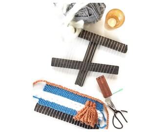 Small Wood Weaving Loom Weaving Kit, You Choose Color