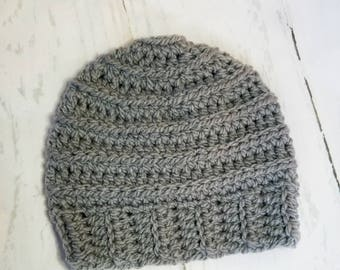 Messy Bun Hat.Ready to Ship//CHARCOAL GRAY Messy Bun Beanie//Pom Pom//Crochet Hat//Runner Hat