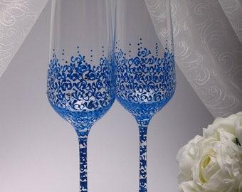 Champagne glasses wedding Wedding glasses Blue Champagne glasses Toasting Flutes Blue unique wedding gifts Personalized glasses champagne