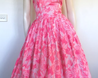 Pretty Vintage 50s 60s Pink Floral Polished Cotton Party Dress / Medium  / Garden Party