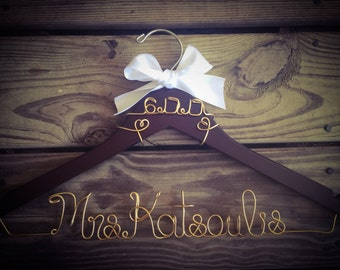 SALE Bride Hanger with Wedding date, Heart Hanger, Bridal Hanger, Bride Hanger, Name Hanger, Wedding Hanger, Personalized gold wire hanger