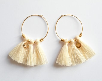 Chic tassels - hoop earrings Golden ecru tassels and faceted glass beads