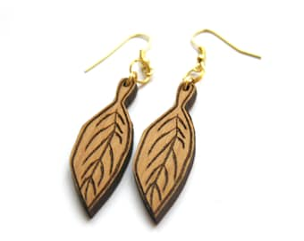 Wooden earrings, leaf tree shape, wood pendant earing, natural gift, engraved by laser, unique jewel, original present made in France, Paris