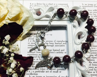 Memorial flower rosary bracelet, chaplet, one decade rosary beads, dried flower beads from funeral flowers, wedding flowers