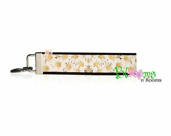 White daisies  keychain key fob wristlet super handy canadian made