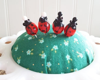 Lady bugs decorative pins, decorative sewing pins, lady bug decor, lady bug decoration, lady bug sewing pins, lady bugs, pin cushion decor
