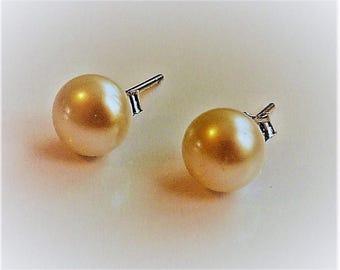 Pearl Silver Studded Earrings