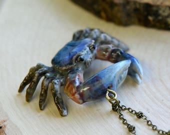 Hand Painted Porcelain Fiddler Crab Necklace, Antique Bronze Chain, Vintage Style, Ceramic Animal Pendant & Chain (CA124)