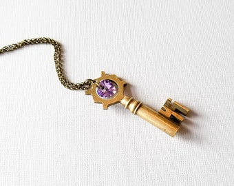Purple Heart Skeleton Key Necklace, Purple Heart Pendant, Purple Heart Necklace, Antique Key Necklace, Vintage Key Necklace, Skeleton Key