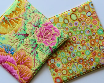 Quilted Potholders Set, Hot Pads Bright Beautiful Kaffe Fassett Print Fabrics - Brassica and Paperweight