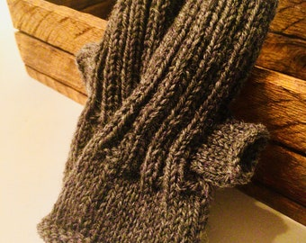 Estate Yarn Wristwarmers! Wrist warmers let fingers do their job but keep busy moms warm. Antique yarn gifted as something useful!