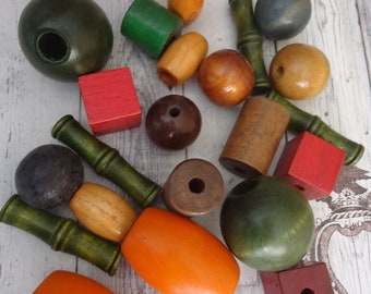 Mixed Lot of Vintage Large and Extra Large Size Wooden and Twined Beads, Multi Colored, 8 Oz.