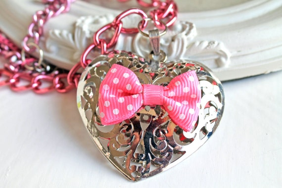 Kawaii lolita filigree heart and pink bow necklace