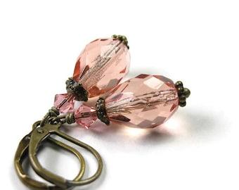 Vintage Style pêche tchèque en verre en forme de larme boucles d'oreilles, saumon corail Swarovski Crystal, idées de cadeaux pour elle, jewelrybyNaLa, bijoux cadeaux