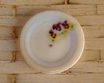 Pretty  Pansy plate (24mml)