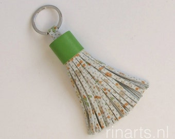 Tassel keychain / fringe keychain in off white, green and orange, with  green leather tassel top.  Fashion color 2017 Greenery