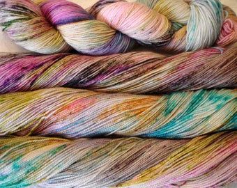 READY TO SHIP, Fing - Dk, variegated, sprinkles, Silver tonal, Color - Silver Blast
