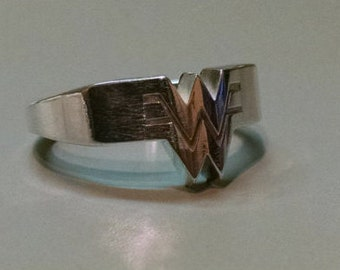 Wonder Woman Ring in Sterling Silver