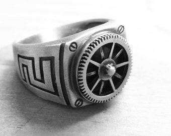 Inca Gear-Steampunk silver signet ring-Cool Mens Ring-Mechanic Ring-Gear ring-Steampunk-Womens--Mens Steampunk Silver Gear Ring-MJ
