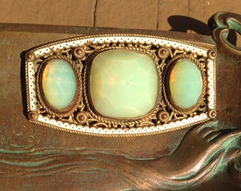 Vintage Jadeite Opalescent Opaline Glass Enamel Pin