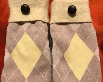 Mittens From Sweater Rescue// Better Brands wool, linen and wool,  tweed wool, leather button// Fleece lined wool mittens// Warm Mittens