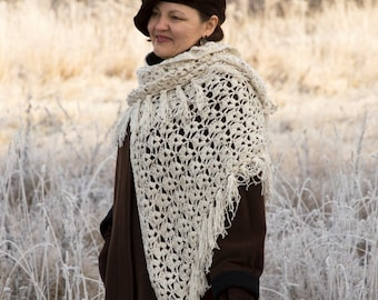 Crochet Shawl, Handmade Triangle Shawl, Crochet Wrap Shawl, Mothers Day Gift , Triangle Crochet Shawl, Winter Accessory in Gray Color
