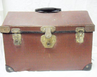 Animal Carrier, Vintage pet suitcase, 1950s animal tote for small animals