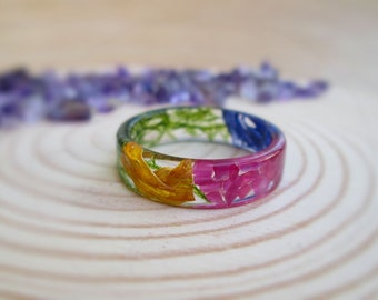Spring flowers Jade Ring, Fairy Flower  Ring, Pressed Flower Ring, Botanical Ring, Nature Jewelry, Flower Girl Gift, Resin Jewelry, Nature
