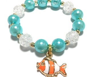Toddler or Girls Small Beaded Fish Charm Bracelet - Turquoise and Orange Fish Bracelet - Ocean theme bracelet - Clown Fish Bracelet
