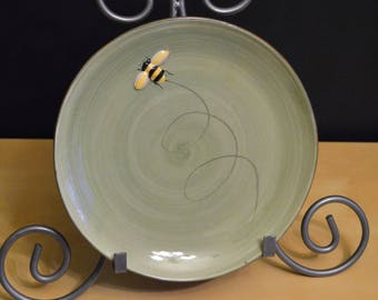 """Pottery Barn 8.5"""" BEE Salad Plate, Green Dark Brown, Buzzing Bumble Bee, Embossed Raised, adorable!"""