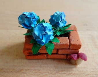 Miniature Blue Hydrangea flower planter (1)