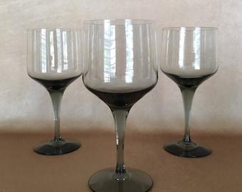 Orrefors Rhapsody, Modern Wine Glass, Smoke Gray Color, Swedish Barware, Hand Blown Glass, Luxury Stemware, Sven Palmqvist, Premium Crystal