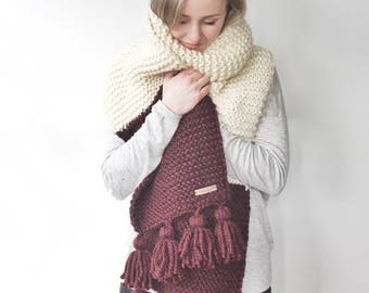 Knit Blanket Scarf x The Constance scarf x bordeaux