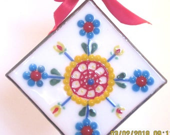 traditional quilt block design in fused glass ornament sun catcher turkey red turquoise blue cheddar yellow flowers