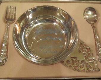 ONEIDA SILVERPLATE BABY Set, Oneida Silverplate Baby Dish Spoon,  Oneida Baby Gift, Oneida Vintage Silverplate, Oneida Vtg Silverplate Baby