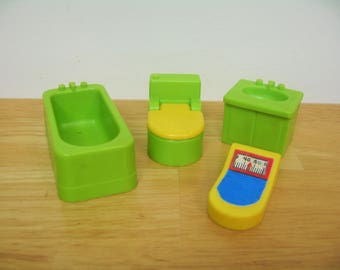 Fisher Price Little People Green and Yellow Bathroom
