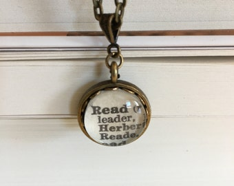 """Dictionary """"Read"""" Necklace - Bronze. Gift for Readers."""