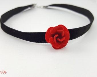 Choker necklace collar vintage rose red