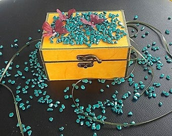 chic and enchanting wooden jewelry box