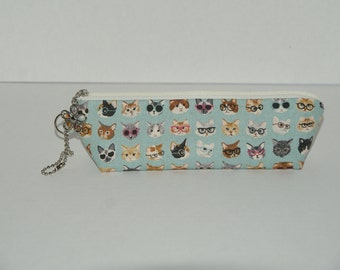 """Padded Zipper Pouch / Pencil Case with Gusset Made with Japanese Cotton Linen Fabric """"Cats with Glasses"""""""
