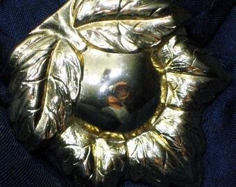 Scarf Clip Vintage Signed Designer Pin Jeri Lou Maple Leaf Brooch High Relief Domed Statement GLitz Glam Shiny Clip Slide Hat Bag Purse