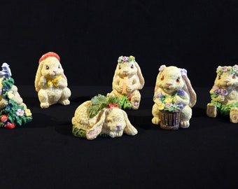 Harvest Hamlet Collection © E.P.L: Adorable little bunnies in resin