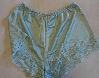 Silky French Knickers by Warner's Lingerie (size 12 Aus/UK & 6/US)