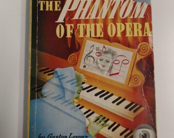The Phantom of the Opera by Gaston Leroux Dell Mapback #24 (1939) Vintage Romance Paperback