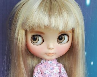 Custom Blythe Doll Ooak TBL, fake base, blonde hair with bangs