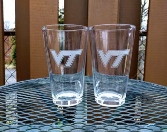 Set of 2 Virginia Tech pint glasses with etched VT logo