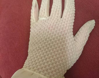 Vintage 1950s sheer ladies gloves